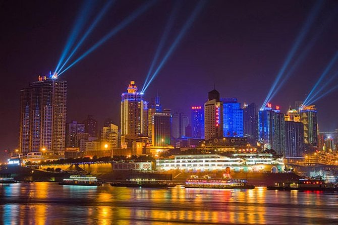 Chongqing Liangjiang Night Cruise Including Authentic Hot Pot Dinner
