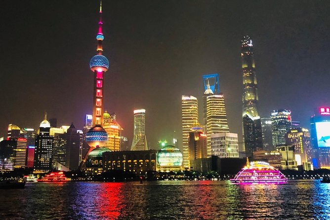 3-Hour Private Shanghai Evening Walking Tour with Dim Sum