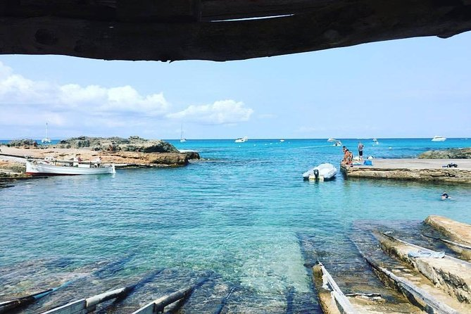 Excursion and sailing route to Formentera
