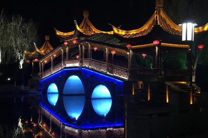 Private Tour including Shanghai Tower, the Bund, Xitang Water Town and More