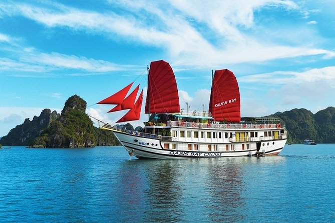 Oasis Bay Classic Cruise- Luxury Boutique Cruise in Halong Bay(Outdoor Jacuzzi)