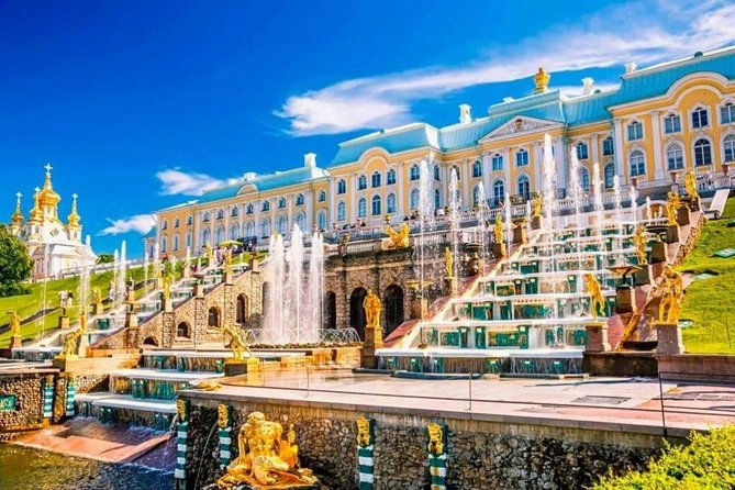 Tour of Peterhof: Grand Palace and Park