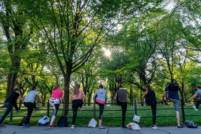Muscle Awakening and Yoga in Central Park in French