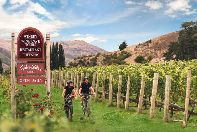 Gibbston Valley Ride, Wine & Dine w/ Transport