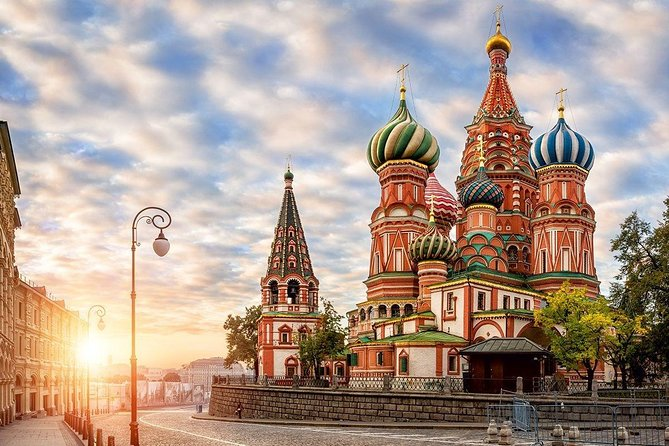 Private Shore Excursion in St Petersburg with short-Trip to Moscow (2 days)