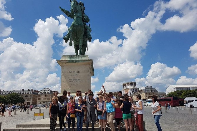 Historical treasure hunt in the city of Versailles