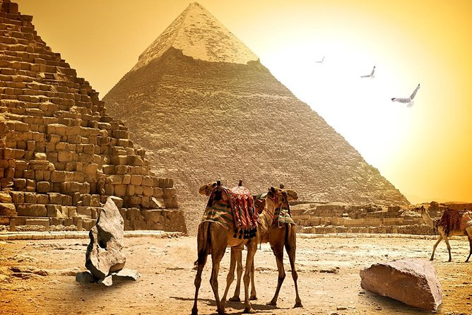 Giza Pyramids and Egyptian Museum Private Tour