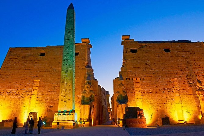 Cairo: Overnight all inclusive tour in Luxor & Hot air Balloon by Plane