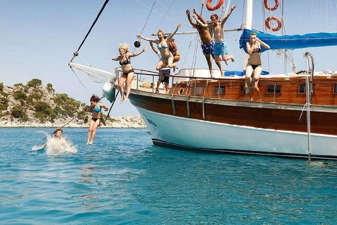 Kusadasi: Full–Day Boat Trip with Lunch