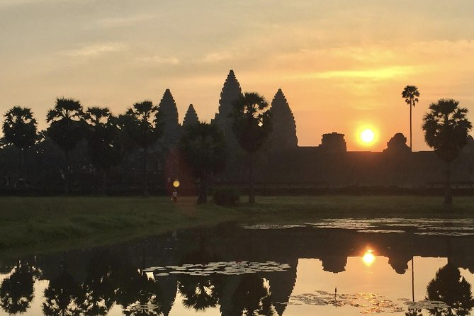 A Day Trip Angkor Wat Temples With Sunrise by English Speaking Tour Guide