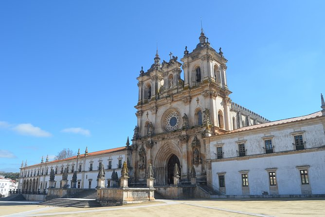 Alcobaça, Batalha, Tomar e Coimbra - 4 UNESCO World Heritage Sites Tour
