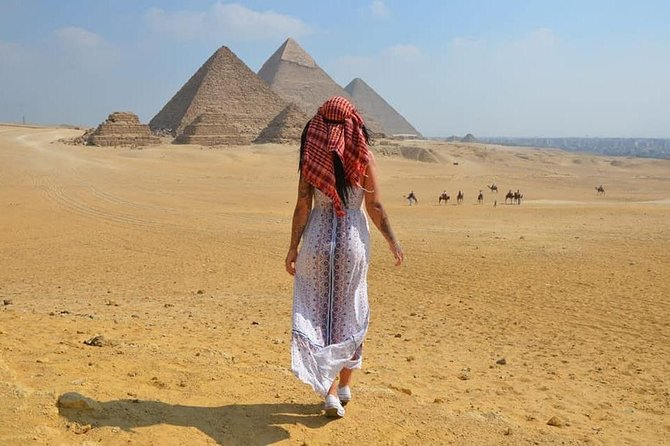 Private half-day tour to Giza pyramids & Sphinx + Lunch