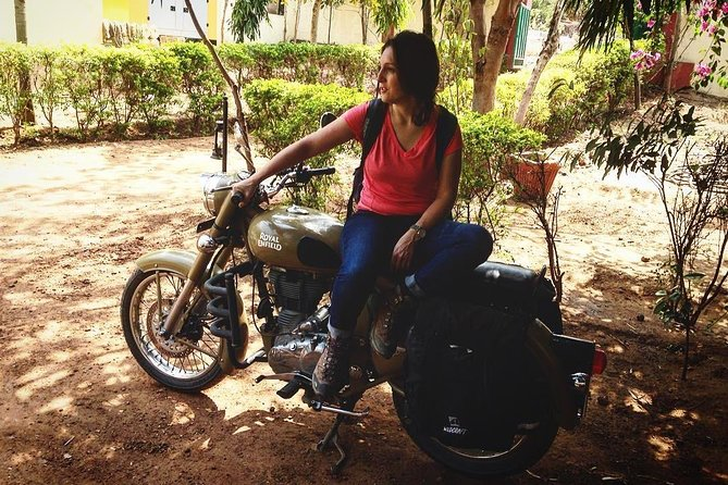 Same Day Road Trip to Agra- Motorbike.