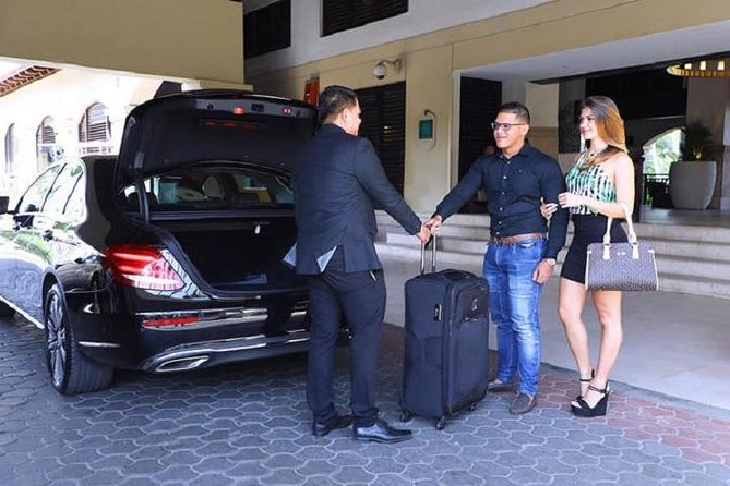Shared Transfer: From Hotel in Da Nang Center to Hotel in Hoi An