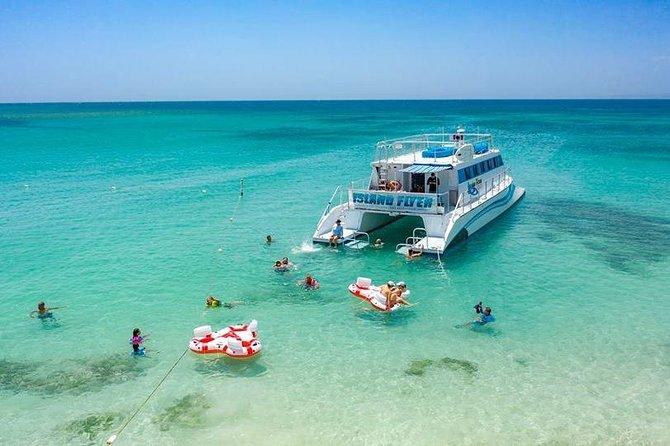 Beach Trip by catamaran to Playa Pelicano on Caja de Muertos Ponce