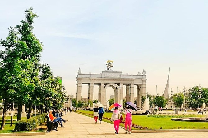 Private tour of VDNKH park: Soviet Greatness and Modern Times