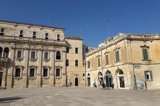 """Lecce, guide + tasting of the """"pasticciotto"""" + mache paper workshop"""