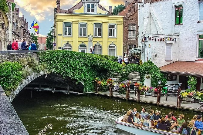 Private 8-hour Tour to Bruges from Brussels with driver and guide (in Bruges)