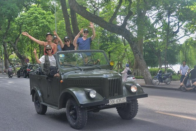 incomparable tour: Vintage Gaz69 Jeep, walking, food, culture, puppet show