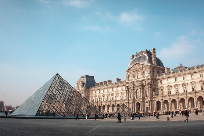 Louvre Skip-the-Line ticket with Digital Audioguide & Seine River Cruise