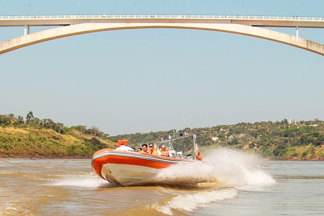 Ticket + Transport Tour Meeting of Waters Echaporã