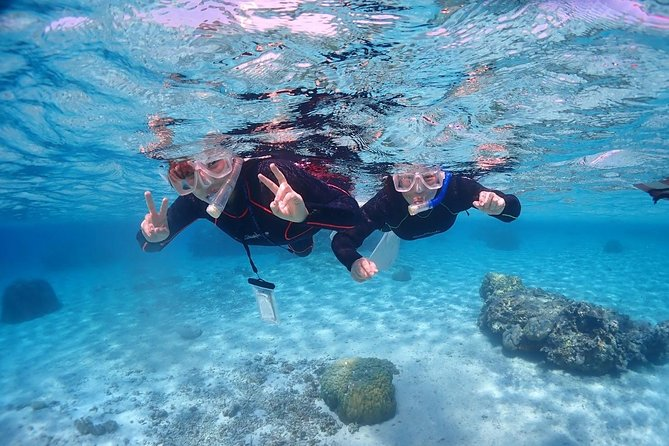 [OkinawaMiyakojima] Beach snorkeling at a coral reef with outstanding transparency