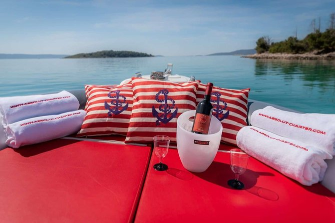 Private speedboat tour to Blue cave and Hvar