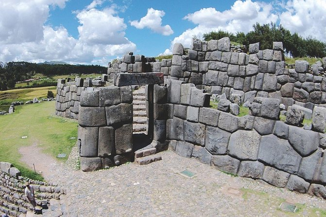 City tour in Cusco + Income