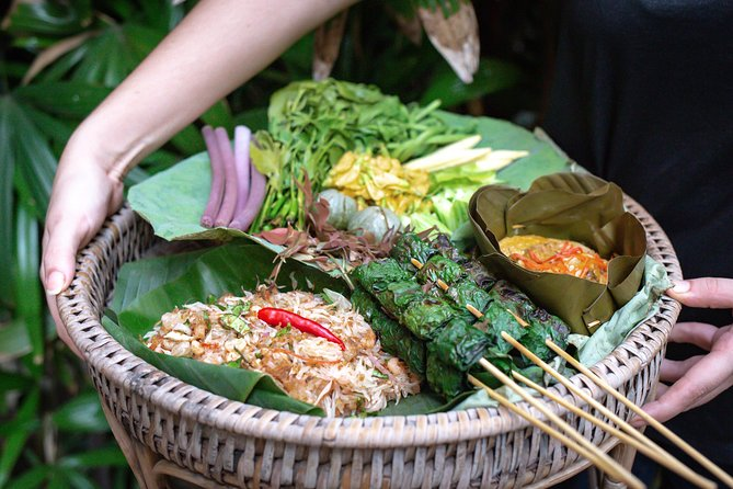 Old Siem Reap Food Tour: Sunset Tour by Tuk-tuk