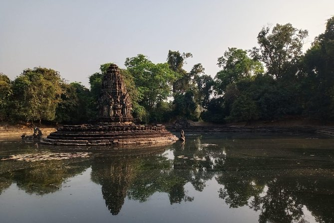 Private One Day Trip to Lady Temple & Big Circle Tour