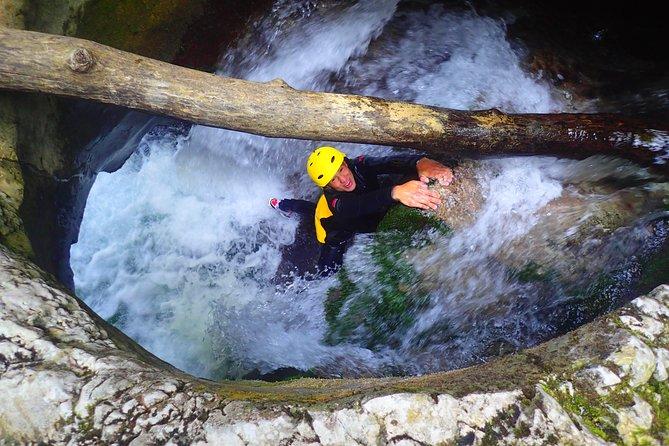 Canyon Nevidio extreme adventure
