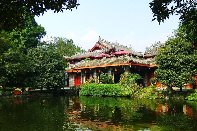 Full-Day Mount Qingcheng and Dujiangyan Irrigation System Tour