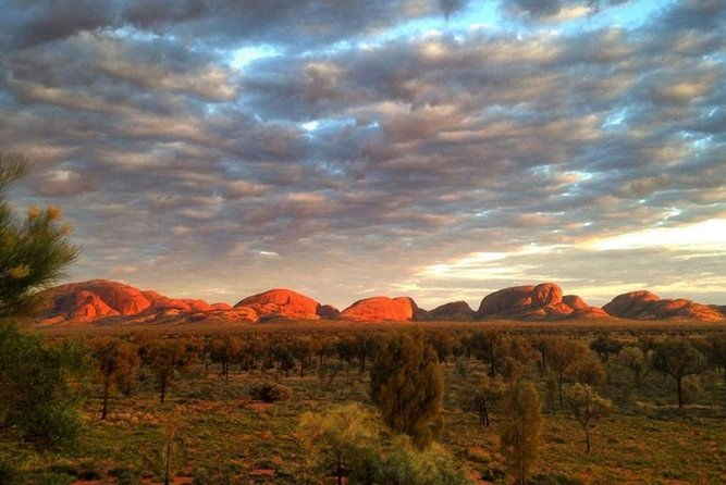 5-Hour Kata Tjuta Sunrise Tour from Ayers Rock with Breakfast image