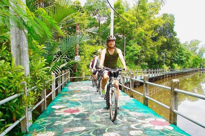 Bangkok Green Lung Jungle Bike Tour with Lunch and Boat Ride