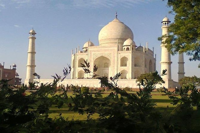 2-Day Agra Fort and Taj Mahal Guided Tour from Delhi Airport