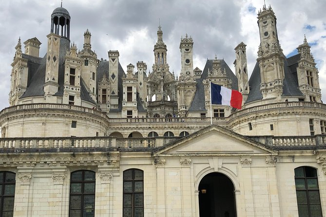 LOIRE VALLEY: Private day-trip to visit Chambord, Cheverny and Chenonceau