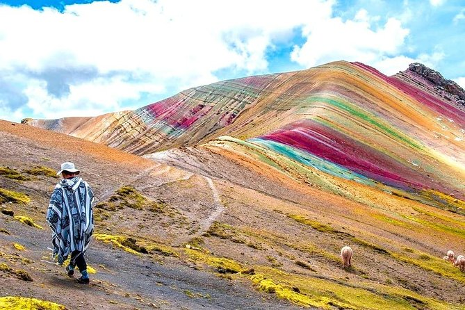 Full-Day Guided Tour to Palcoyo Rainbow Mountain with Lunch