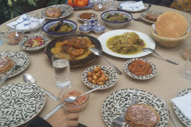 Private Traditional Dinner with a Moroccan Family in Fes