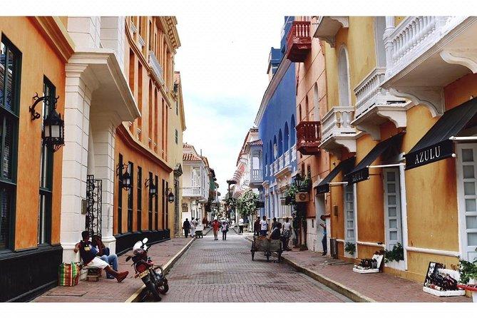 Walled City + San Felipe Castle + Optional Popa Convent Cartagena City Tour 6-8H