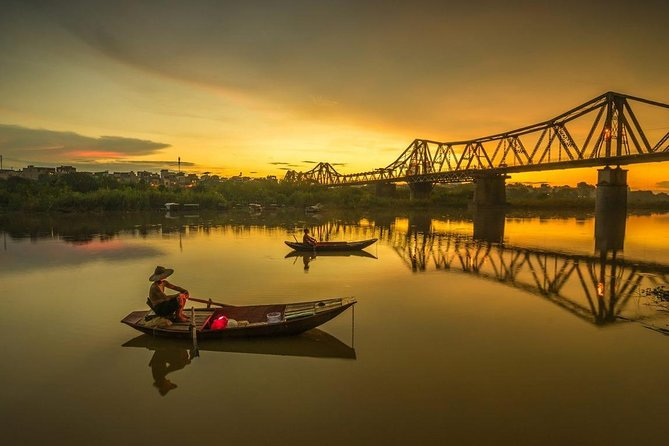 Full-Day Guided Cruise Tour in Hanoi's Red River with Lunch