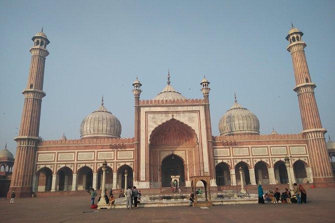 Explore the beauty of Old Delhi