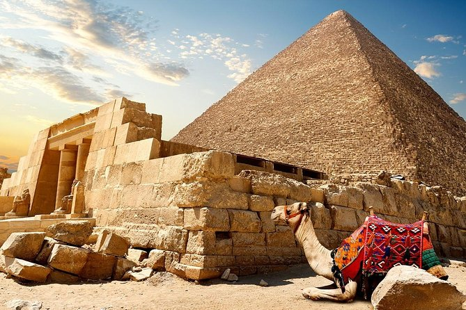 Private Full-Day Tour to Giza and Saqqara Pyramids with Lunch