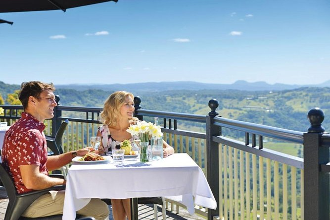 Full-Day Guided Tour to Montville Village with Lunch