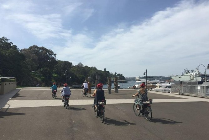 Half-Day Guided Sightseeing E-bike Tour of Sydney Harbour