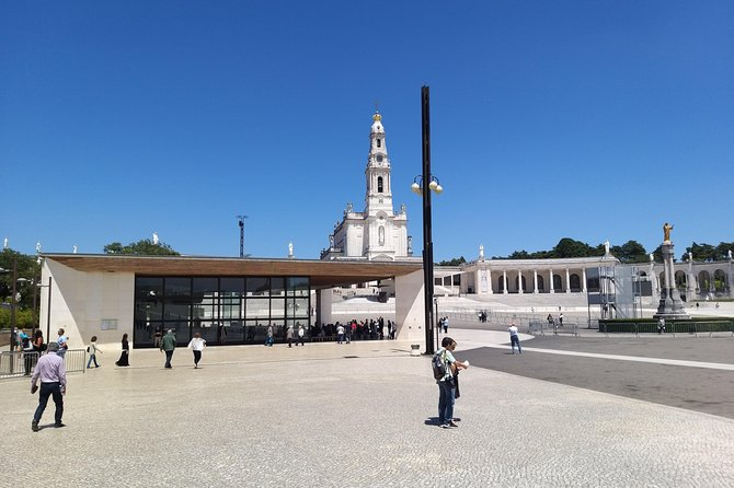 Fátima Private Religious Tour - Full Day - Santuary and Aljustrel
