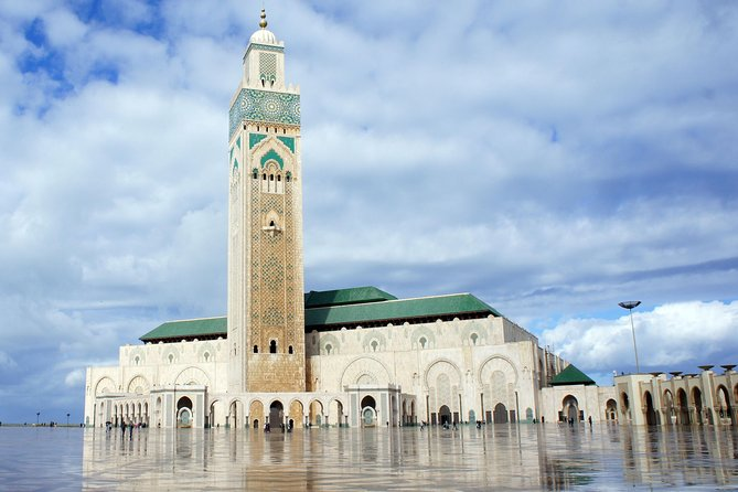Casablanca Hassan II Mosque and Old Medina Private Tour