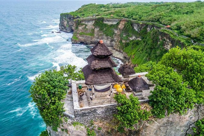 Half-Day Sunset Private Tour to Uluwatu Temple with Pick Up