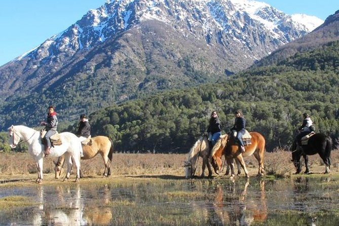 Los Baqueanos Lake Gutierrez Horseback Riding