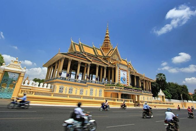Half-Day Royal Palace National Museum Wat Phnom Private Tour