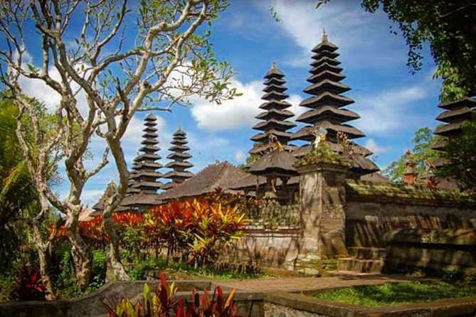Bedugul Tanah Lot Temple Sunset Tour with All admission Ticket Included